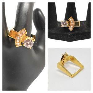NWOT 18k square white sapphire ring
